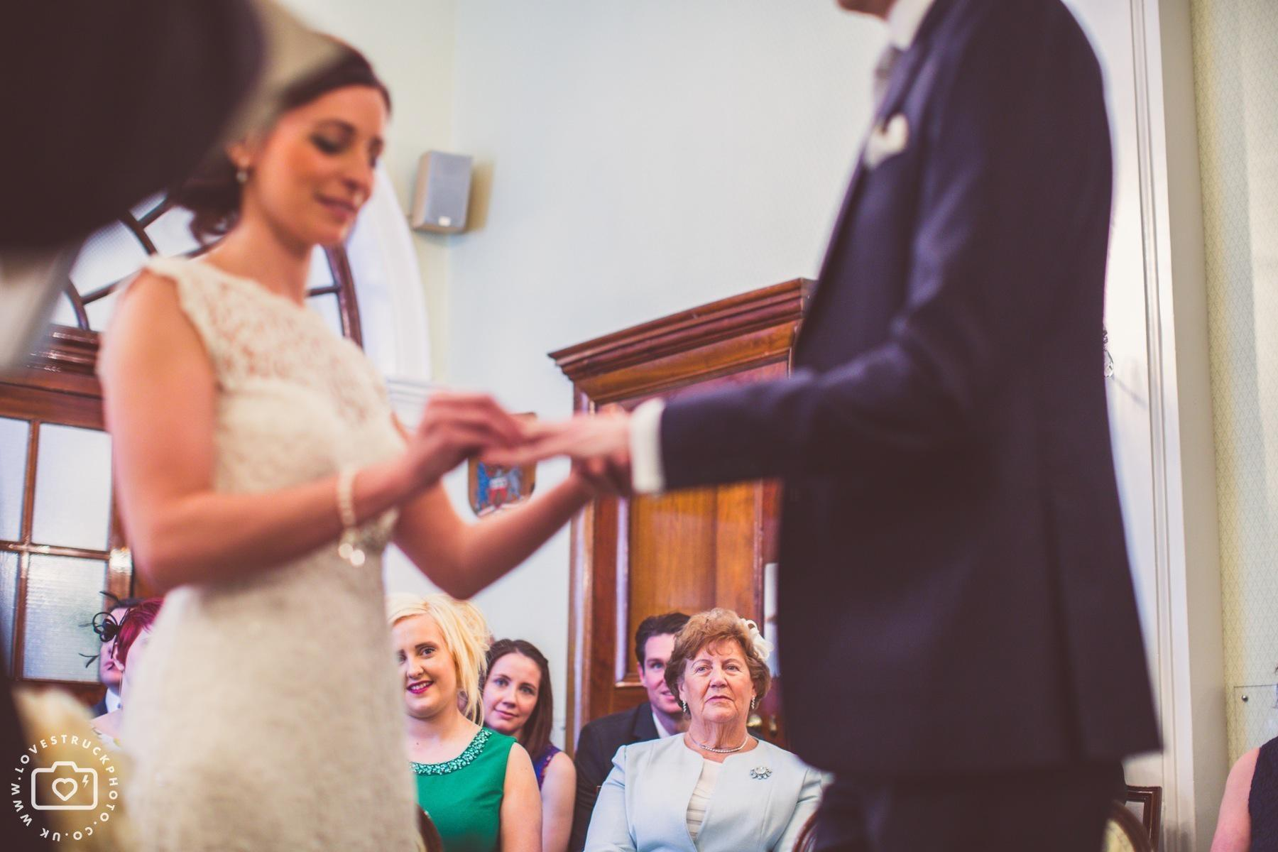 London Kensington & Chelsea Wedding Ceremony, Kensington And Chelsea Registry Office Wedding
