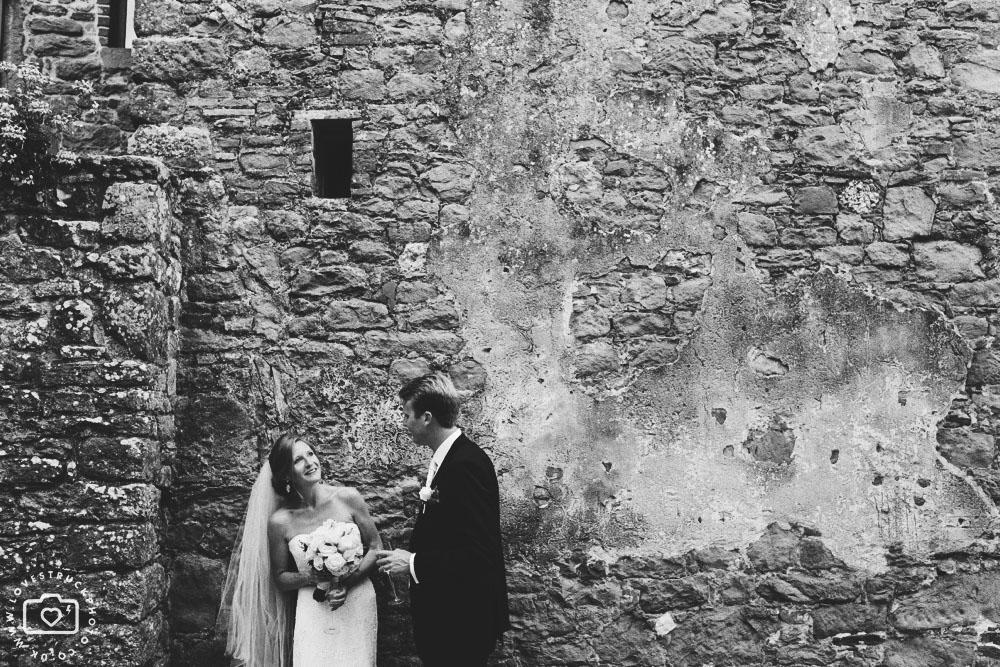 tuscany wedding photographer, castello di gargonza wedding