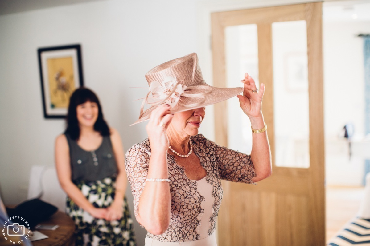cottswolds wedding cripps barn, quirky wedding photography