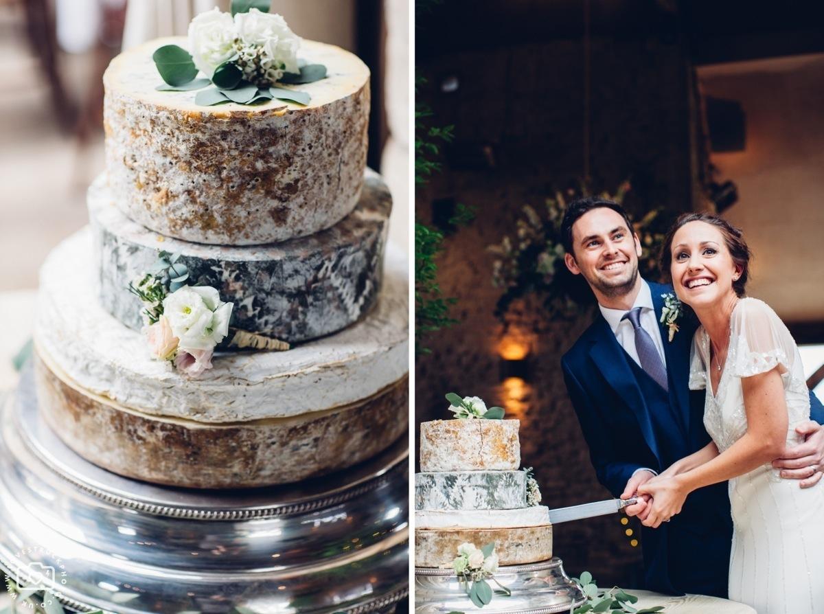 cripps barn photographer, cottswolds wedding cripps barn, wedding reception photos, cake cutting