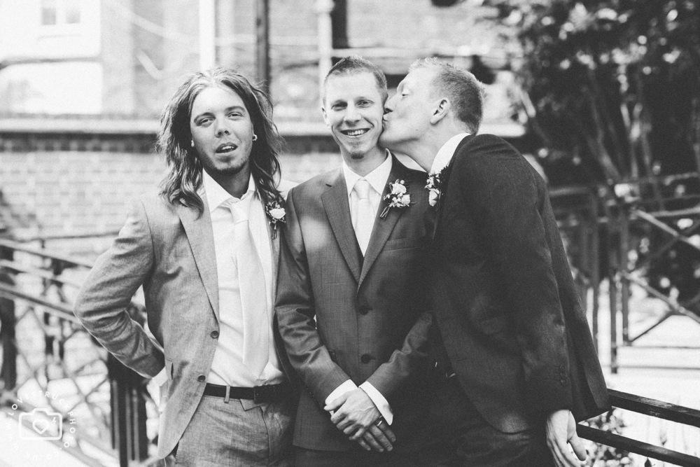 Islington Town Hall Wedding, Rock N Roll Wedding, tattoed bride photos, alternative wedding