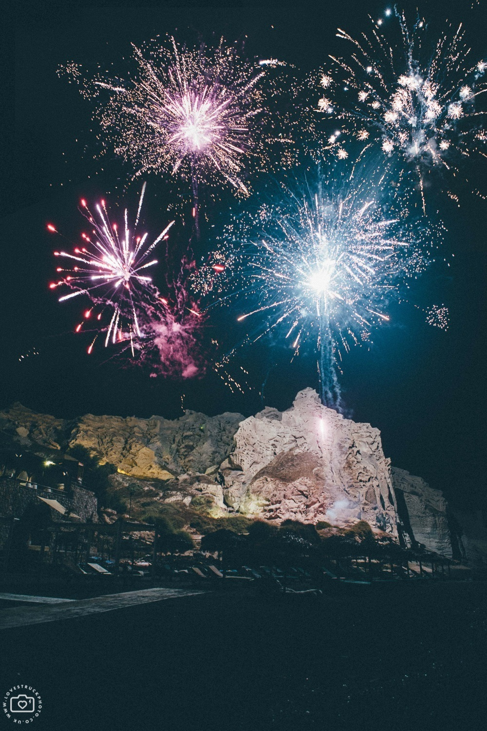 theros wave bar santorini wedding fireworks