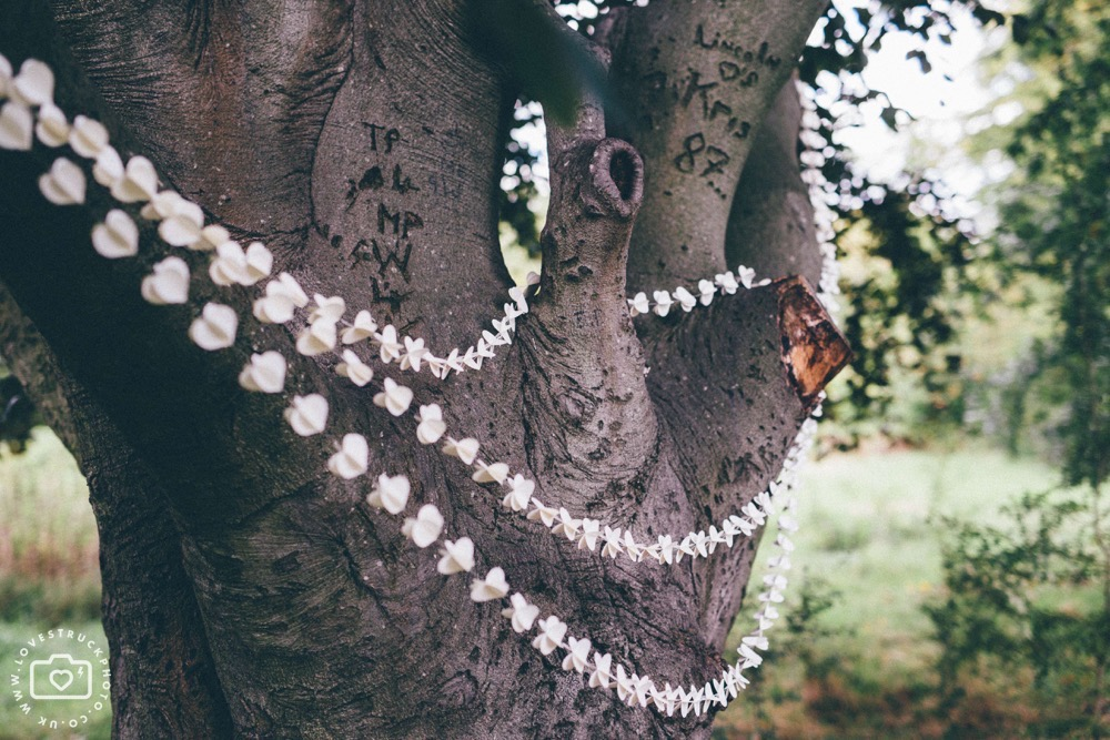 Outdoor tree wedding in london, regents park wedding, quirky london wedding