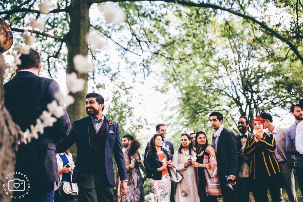 quirky outdoor london wedding, regents park wedding ceremony