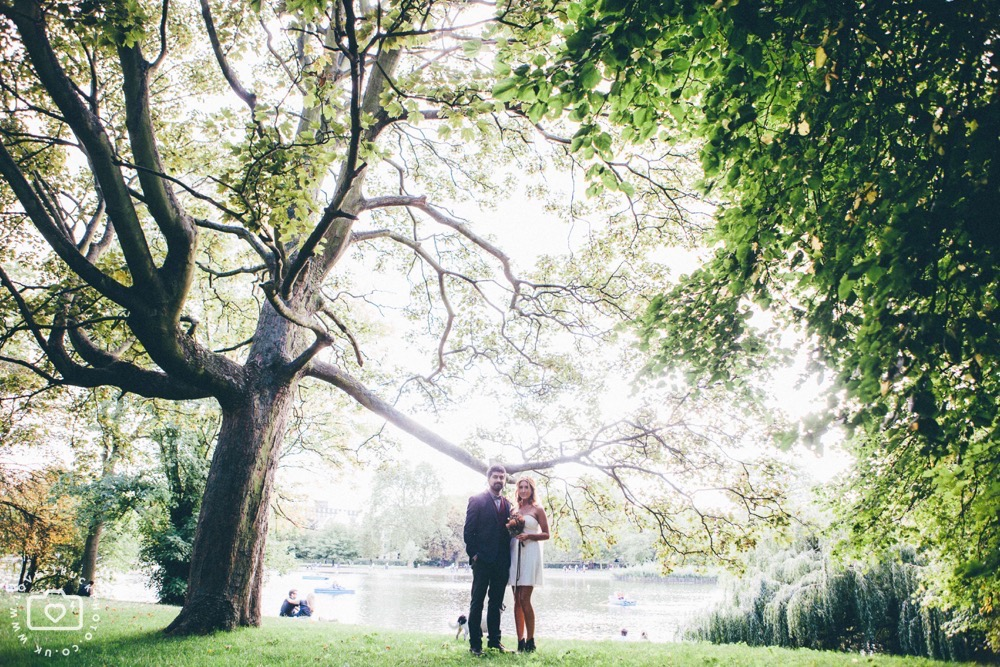 quirky wedding photoshoot in Regents Park London