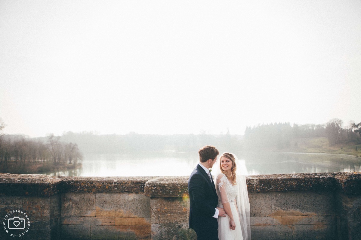 blenheim palace wedding photography, quicky wedding couple photoshoot, oxfordshire wedding portrait shoot, dreamy wedding portraits