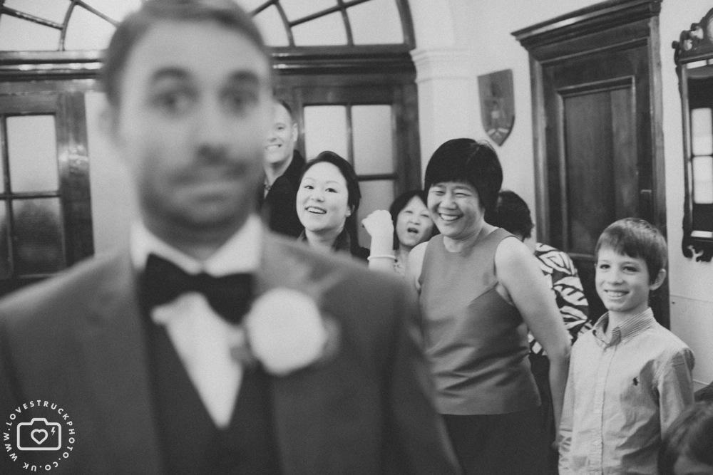 fun wedding photography london, quirky wedding in Kensington registry office