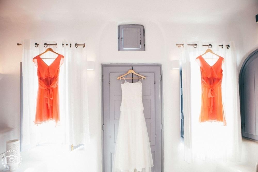 Dana villas Santorini Wedding, vintage santorini wedding, bridal preps santorini, destination wedding photographer, fira wedding santorini